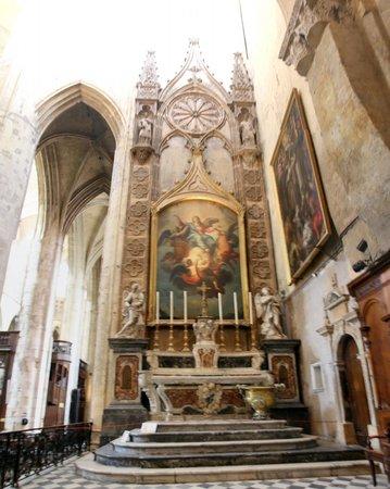 Cathédrale Saint-Étienne : Inside the Cathedral