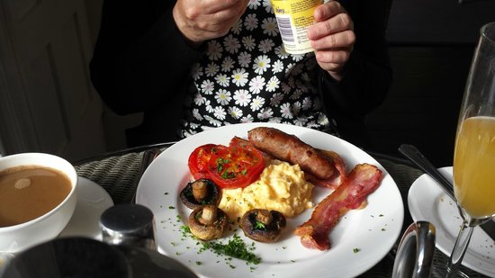 Villa at Henrietta Park: Full English Breakfast