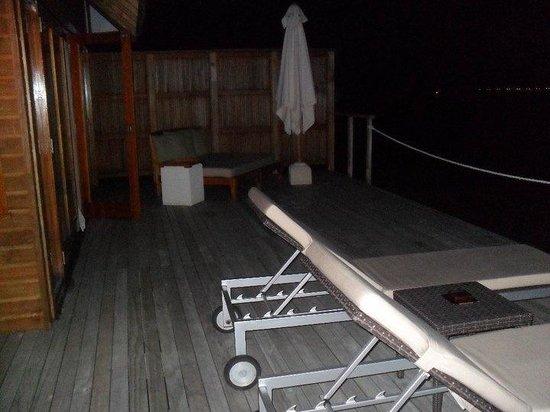 Vakarufalhi Island Resort : Il terrazzo del nostro overwater