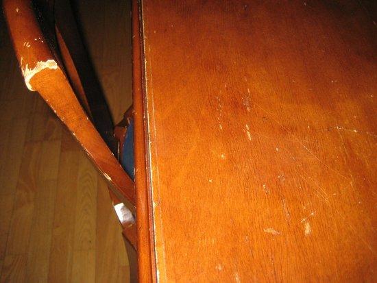 Radisson Blu Resort, Beitostolen: Alle Möbel in diesem Raum sind so - auch die Türen! (Schreibtisch, Stuhl)