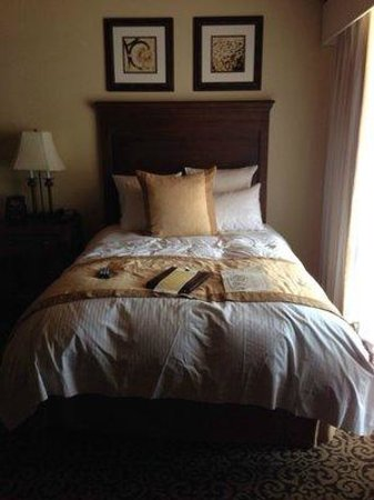 Westward Look Wyndham Grand Resort and Spa : Nice bed with lots of pillows