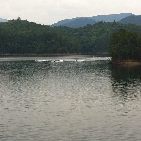 Fontana Village Resort : Fontana Lake