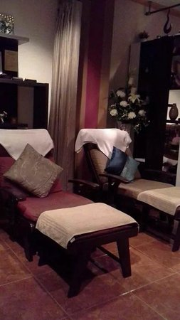 Sweet Lemongrass Massage : Beautiful foot massage area
