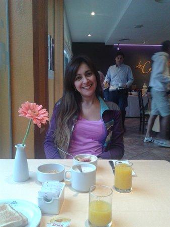 Casa Real Hotel: Desayunando en el hotel