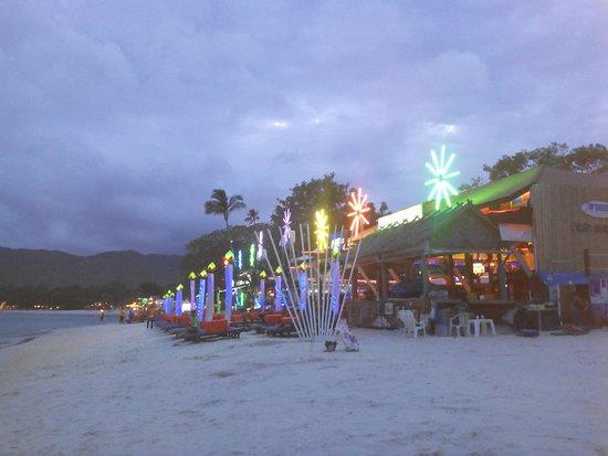 Chaweng Noi Beach: Chiringuitos de la playa