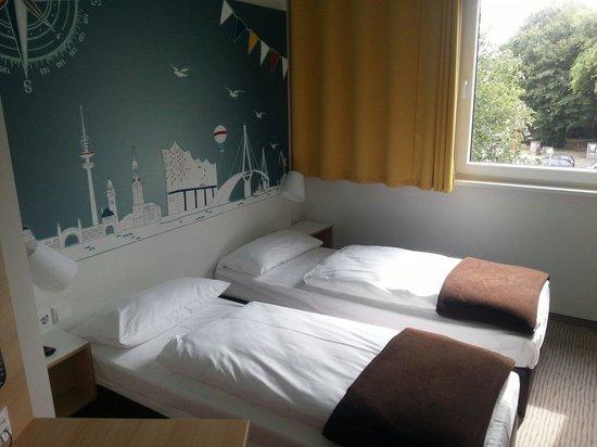 Camera Con Due Letti Singoli Picture Of B B Hotel Hamburg Nord Tripadvisor