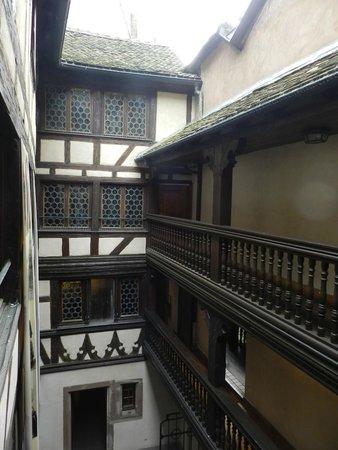 Musée alsacien : Внутренний двор музея.
