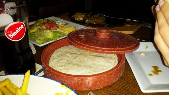 Coyote Restaurant: Fajitas