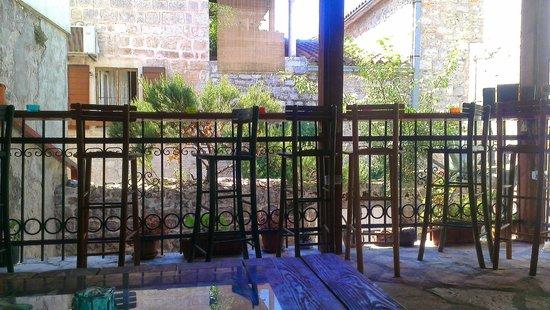Freedom Hostel Budva: Vue depuis la terrasse du Freedom Hostel