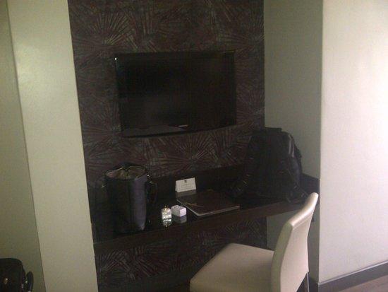 Eka Hotel Nairobi : EKA tv area