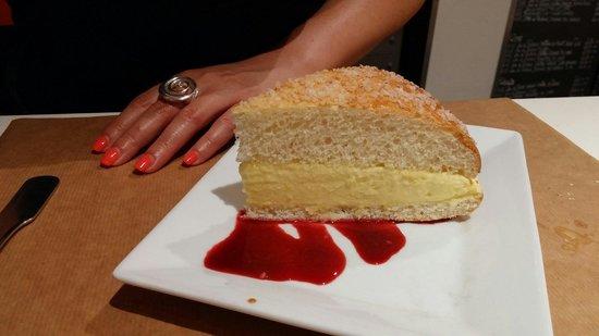 "La Table : La tarte Tropezienne de chez ""Micka"""