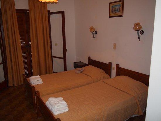 Acharavi Beach Hotel: Chambre
