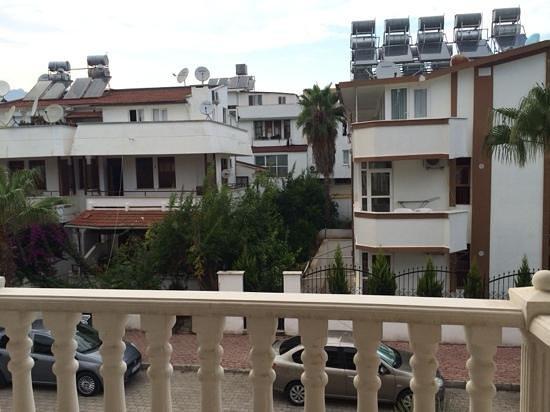 Dinara Hotel: номер, балкон