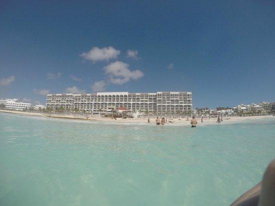 Hyatt Zilara Cancun : Vista da praia para Hotel