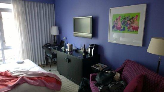Opus Hotel: room