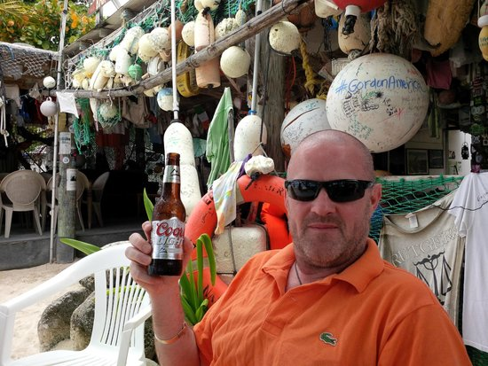 One Love Bar and Grill : Nice cold beer