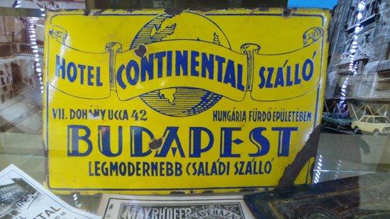 Continental Hotel Budapest: Werbung aus vergangener Zeit