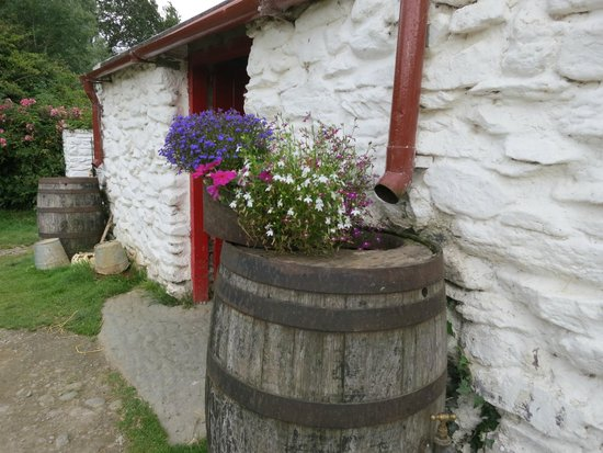 Muckross Traditional Farms: One of the farm houses