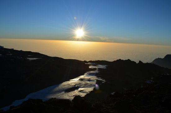 Kilimandscharo-Massiv (Kilimanjaro): sunrise on the summit