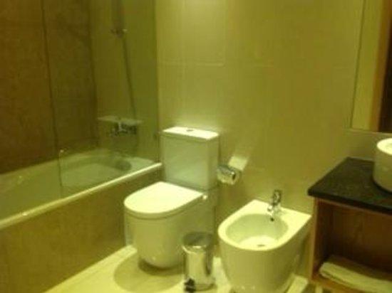 Agua Hotels Riverside: Baño de la habitacin