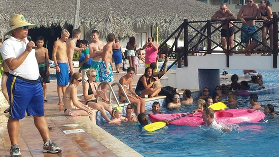 Sirenis Punta Cana Resort Casino & Aquagames: Kayak races in the afternoon with Banana.