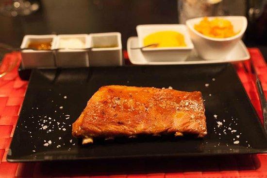 Ayre Hotel Oviedo: magnífico costillar de cerdo en dos cocciones