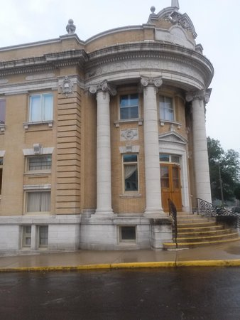 Haunted Hannibal and Historic Tours: Haunted Library