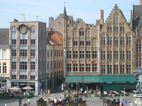 Grand-Place : Another side of the square
