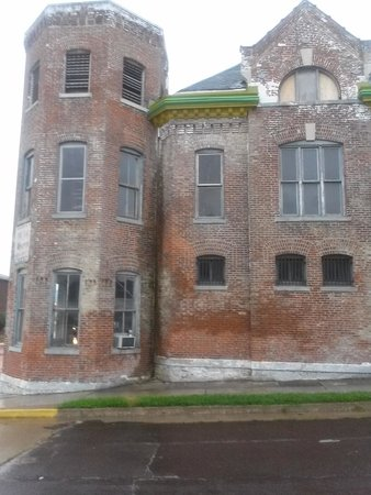 Haunted Hannibal and Historic Tours : Haunted Jail