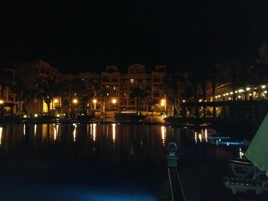 Hotel Riu Santa Fe: Vista Nocturna