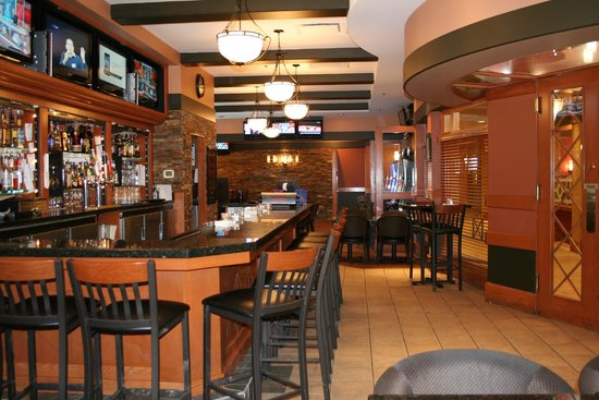 The Glenmore Inn & Convention Centre: Elbow Room Lounge