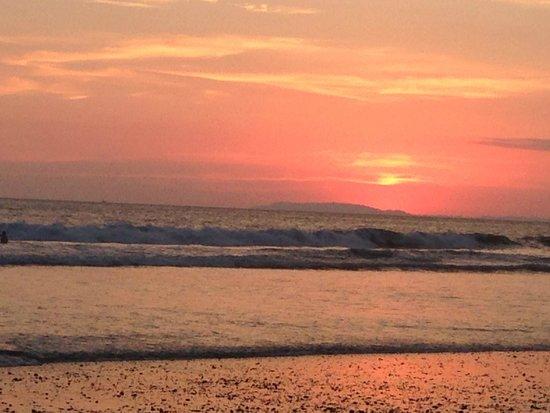 Copacabana Hotel & Suites: Sunset