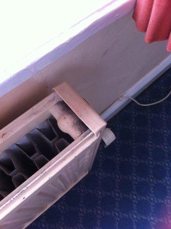 Lambton Arms: radiator dirty