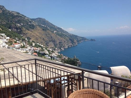 Hotel Margherita: balcony view day