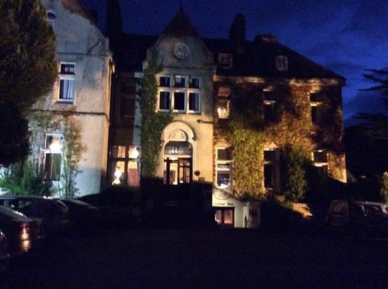 Cahernane House: hotel at night