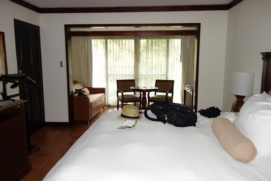 Tabacon Thermal Resort & Spa: hotel room - superior with king bed
