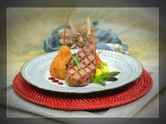 Grapevine Cafe: Grilled Veal Chop