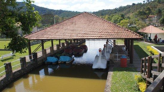 Hotel Estancia Atibainha Resort & Convention: Pedalinho
