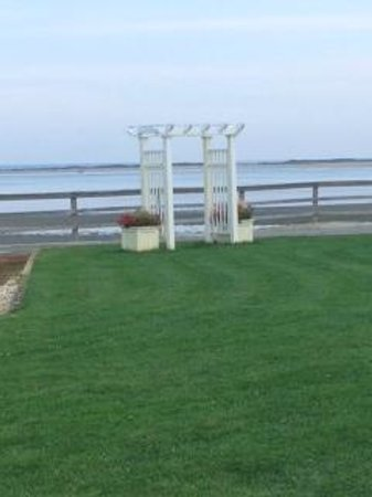 Provincetown Inn Resort & Conference Center: Wedding ceremony trellis