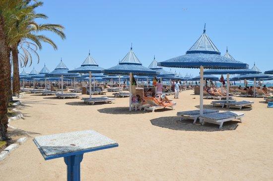 The Grand Resort Hurghada: Strand im Grand Hotel