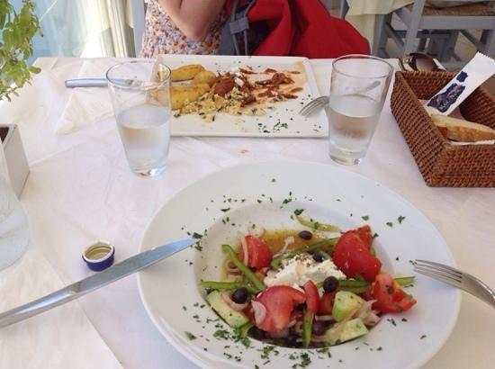 Blue Note: veal stuffed an greek salad