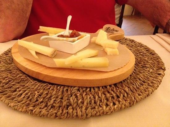 Locanda al Pozzo Antico: Plateau de fromages divers
