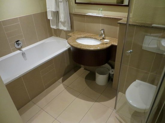 City Lodge Hotel Fourways: Bathroom