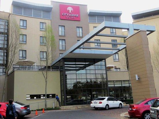 City Lodge Hotel Fourways : Hotel entrance