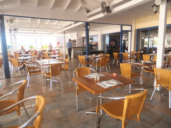 Eleni Holiday Village: Dining area and entertainment in evening area