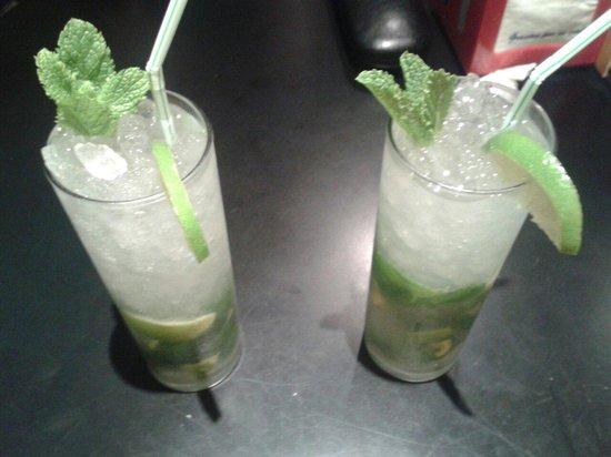 Café Bar Panamericana: Mojitos que tomamos :)
