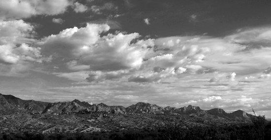 Miraval Arizona Resort & Spa : Santa Catalina mountains