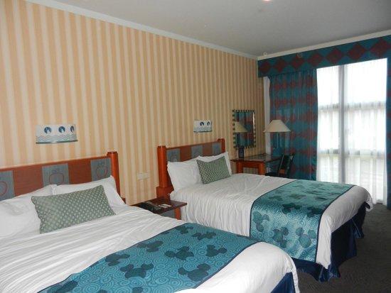 Disney's Hotel New York : Room