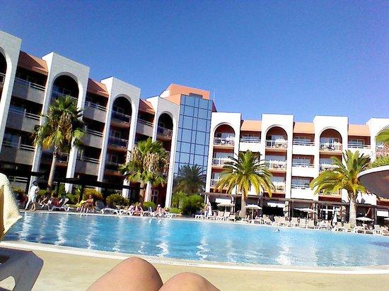 Falésia Hotel : pool area