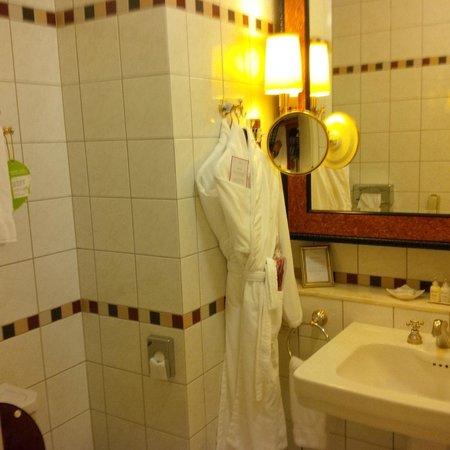 Belmond Grand Hotel Europe: banera muy alta